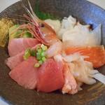 71039605 - 生本マグロの海鮮丼