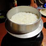 高知藁焼き 屋台餃子 土佐宿毛マーケット - 炊き立てごはん~香り米×ヒノヒカリ~
