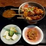 町の焼き鳥レストラン トリ太鼓 - 焼き鳥丼定食(735円)