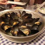 71045969 - 3種類の貝の白ワイン蒸し