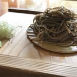 蕎麦切り大城 - 玄挽き蕎麦   こんもりと歯応えのあるお蕎麦