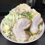 ラーメン二郎 - 料理写真:小やさいマシマシにんにくとアブラ少なめ!麺が多くてびっくり!