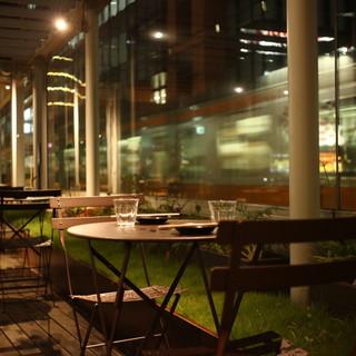 電車が近いレストラン。旧万世橋駅ホームで食の旅紀行