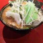 ラーメン 厚木家 - ラーメン+野菜畑です♪(*´∇`*)