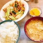よってけれ - 料理写真:野菜炒め定食