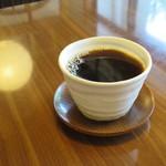 ばろんどーる - ホットコーヒー130円(内税)。