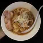 71051507 - 煮干し中華そばNORMAL(750円、真上から)