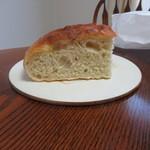 アルカレート - お土産用に持ち帰ったパンは翌日の朝食用
