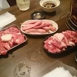 ジンギスカン 楽太郎 - お肉類です
