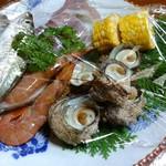 久兵衛 - 炭焼き用の魚介