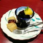71054616 - 下段のコーヒーゼリー、わらび餅