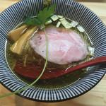 くろ松 - 中華そば(白醤油) 750円