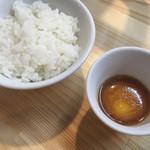 くろ松 - うに醤油漬け卵黄ごはん 200円