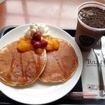 タリーズコーヒー - クラッシックパンケーキ ラズベリーマンゴー+チョコリスタ