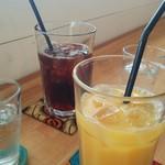 山田珈琲 Amami Island - アイスコービー、オレンジジュース