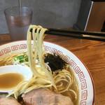 煮干中華そば専門 煮干丸 - 麺は低加水