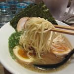 ソラノイロ トンコツ&キノコ - 麺リフト