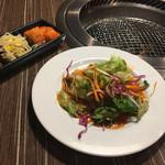 焼肉・しゃぶしゃぶ 肉の鶴々亭 -