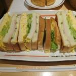 コメダ珈琲店 - ミックストースト四つ切