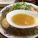 ラーメン大河 - スープ 中華そばが好きな方はオススメの味ですよ!如水系列は全て制覇しましたが ここのラーメンが1番中華そばの味わいに感じました