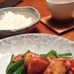 71066582 - 青椒鶏丁とご飯