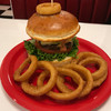 マグネットダイナー - 料理写真:アボカドチーズバーガーとオニオンリング