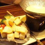 一瑳 - チーズフォンデュ(1,008円)