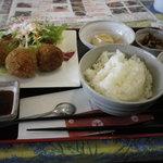 カフェレストラン ミルティーユ - 料理写真:ニラコロ定食