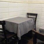 数寄屋バーグ - 店内テーブル