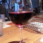 ハンバーグの時間 - グラスワイン480円の赤