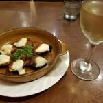 そふりっと - 茄子とチーズのオーブン焼きと白ワイン