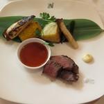 ホテルニドム - 北海道産和牛を備長炭で道産野菜とともに・・・