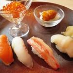 ホテルニドム - 握り寿司六種(大助、ずわい蟹、いくら、帆立貝、黒ソイ、ウニ)