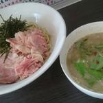 塩白湯らーめん ソラシオ - 塩つけ麺 並300g(900円)
