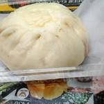 中国料理 布袋 - 肉まん、300円。