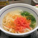 なか卯 - うどんには紅生姜と七味唐辛子を❤ 写真では控えめです~ꉂꉂ(ᵔᗜᵔ∗)