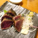 藁焼き鰹たたき明神丸 - カツオ塩タタキ5切れ1,058円