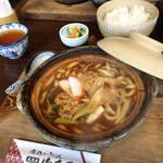 山本屋 - かしわ入り味噌煮込みうどん  1,100円