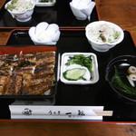 71081801 - うな丼(上)(2214円)