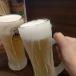 71081896 - とりあえず乾杯!グラスがキンキンに冷えていて旨いぜ!