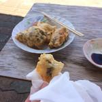 71085529 - 天ぷら。食べてるのはサカナ