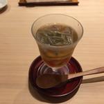 71085794 - 秋田じゅんさい フルーツトマト 積丹ムラサキウニ