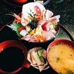 新鮮処 魚里 - びっくり海鮮丼 ¥1,480-
