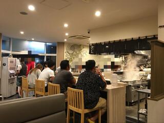 麺屋 たけ井 R1号店 - 店内