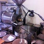 自家焙煎 珈琲工房 ニシオカ - 焙煎機