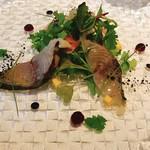 イル プロフーモ - サゴシのカルパッチョ、新生姜のサラダ仕立て