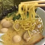 71093215 - ラーメン(並) 680円+うずら卵(50円)