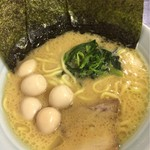 71093216 - ラーメン(並) 680円+うずら卵(50円)