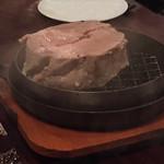豚バルBYO-塊- - 【豚バルYコース】豚バル名物★新潟県産和豚もち豚肩ロース肉のボルケーノフランベ