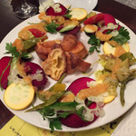 Butabarubiwaiokatamari - 【豚バルYコース】群馬県産・草木食堂の香味野菜とポップオーバーとトリッパのタルタル